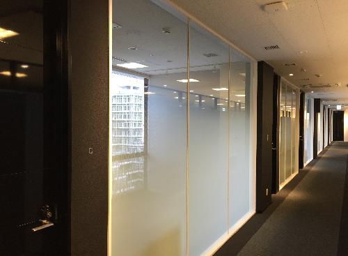レンタルオフィス個室通路側